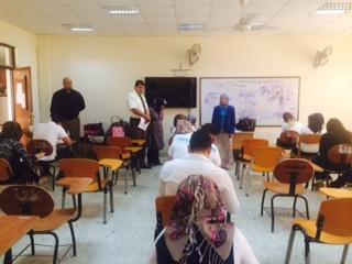 الاستاذ الدكتورة هيفاء هادي عميد كلية التقنيات الحيوية تتفقد سير الامتحانات