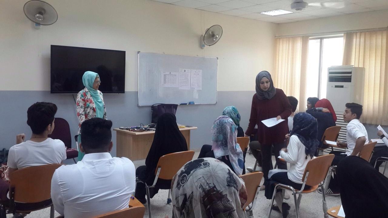 عمادة كلية التقنيات الاحيائية بجامعة النهرين تشرف على سير الامتحانات النهائية