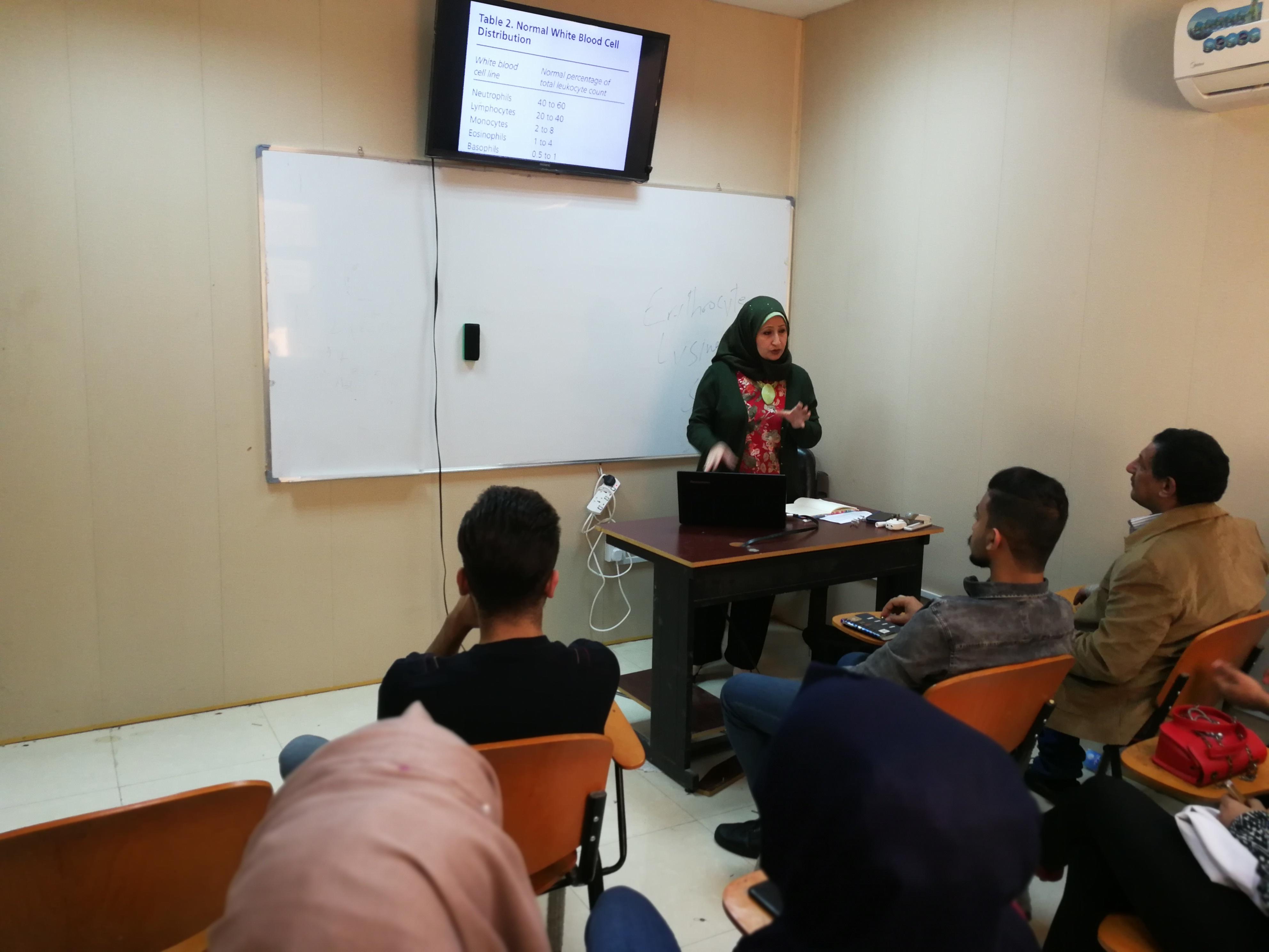 كلية التقنيات الاحيائية تنظم دورة تدريبية في علم امراض الدم